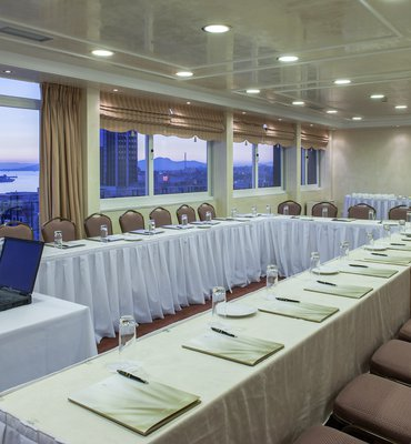 THEOXENIA PIREAS - 5 Hotels