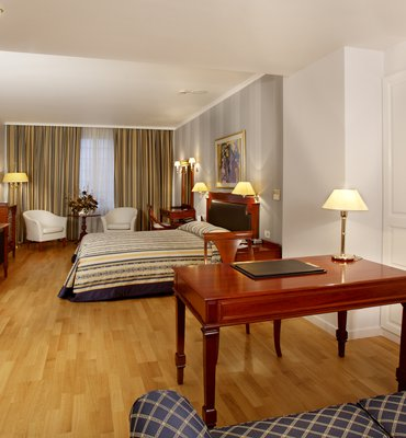 THEOXENIA PALACE - 6 Hotels