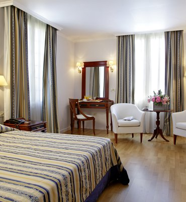 THEOXENIA PALACE - 3 Hotels
