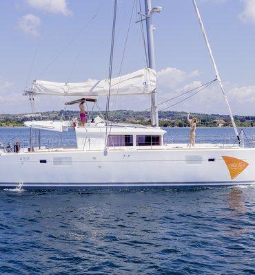 White Sails - 9 Yachts