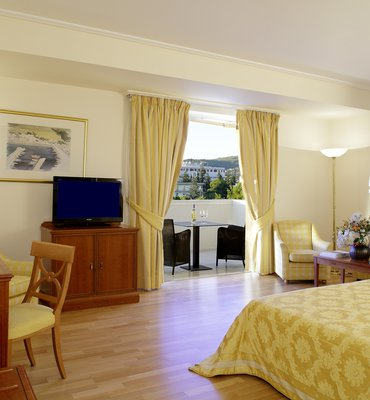 THEOXENIA PALACE - 4 Hotels