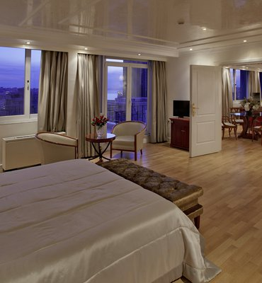 THEOXENIA PIREAS - 3 Hotels