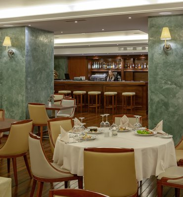 THEOXENIA PIREAS - 7 Hotels