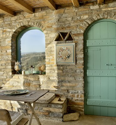 RESIDENCE IN ANDROS
