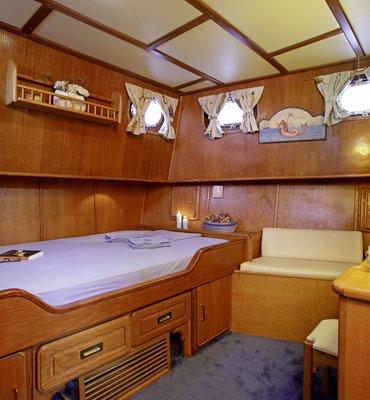 s:y Rota 2 - 5 Yachts