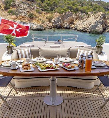 m:y COSMOS - 6 Yachts