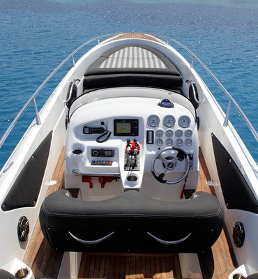 Speedboats - 25 Speedboats & Automotive