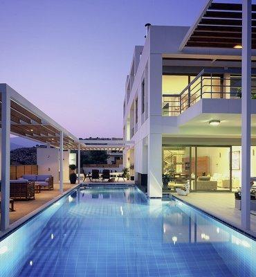 RESIDENTIAL PROPERTIES - 17 Residential