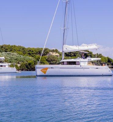 White Sails - 8 Yachts