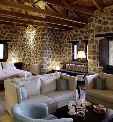 ΠΛΕΙΑΔΩΝ ΓΗ - 4 Hotels